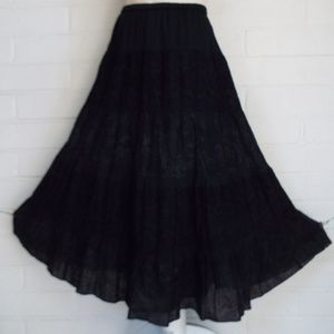 CHICOS 1 M L black floral embroidered eyelet skirt
